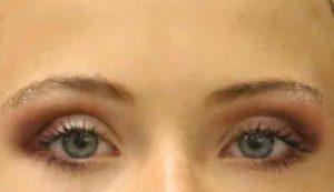 burgundy-plum-glitter-look-eyes